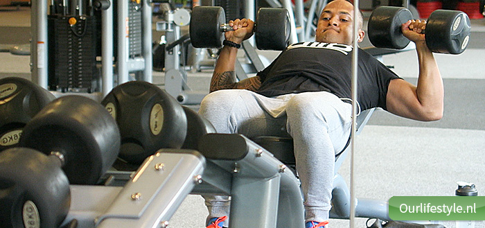 incline dumbell press routine upper chest bovenkant borst