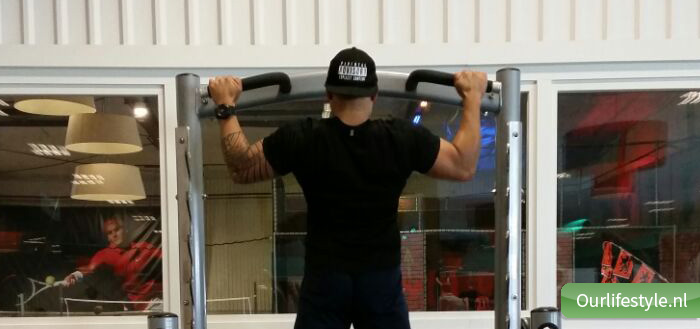 Back wide pull up! Work for it!